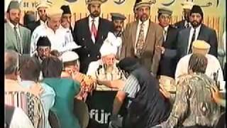 Europeans converting to Islam Ahmadiyya - never seen clips