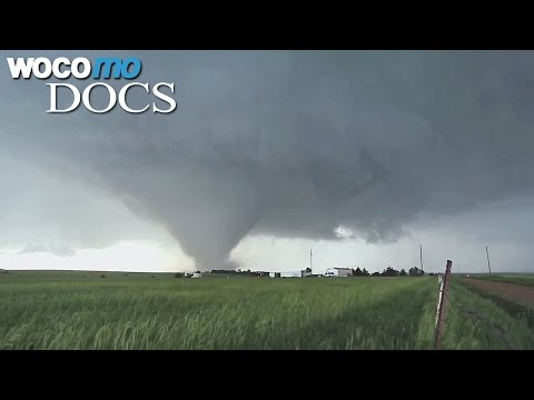 Tornados Hunters (French Version with English Subtitles - HD 1080p)