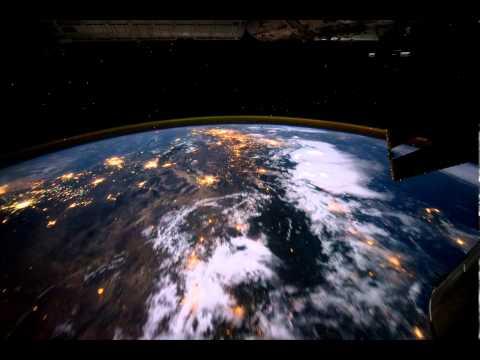 Как реально выглядит Земля из космоса