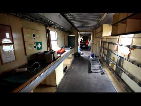 bahnpost-postwaggon-mrz-rundgang-eisenbahn-waggon-innen