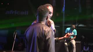 Pastor Bugembe performs at Wooloolo concert
