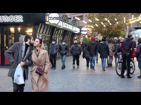 Ереван, 06.12.20, Su, ...Комитас...сквер им. Сарьяна...Абовян...дворик ресторана...Площадь.