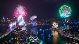 Welcome to 2020! Sydney New Year's Eve Fireworks (...