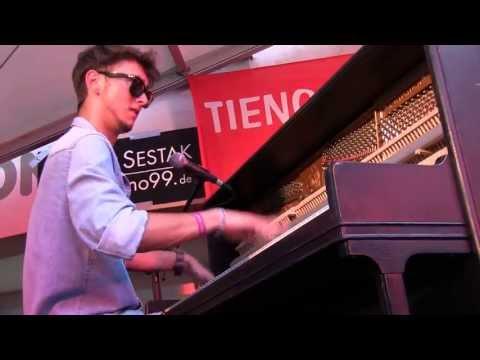 Luca Sestak - Joogie Wazz (Fast Boogie live)