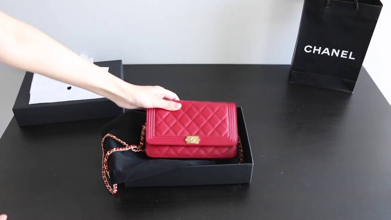 Unboxing Chanel Boy WOC (Wallet On Chain) 2016  e32e64e9bf23