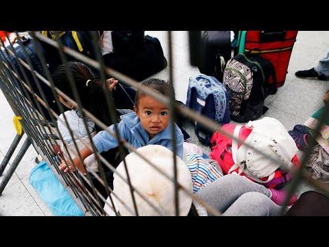 Venezuelanos barrados no Equador