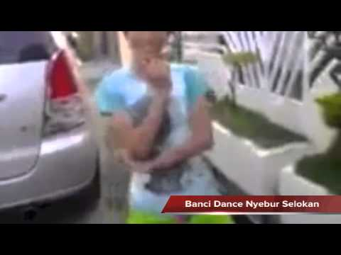17++ Banci Dance Nyebur Selokan