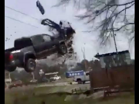 Prison Escapee Launches Pickup Truck Into Air Trying To Avoid Police Barricade :O