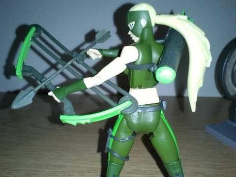 DC Universe Young Justice - Deluxe Artemis Figure Review