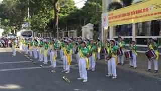 Đội nhạc kèn Võ Thành Trang tại TP. Mỹ Tho - Mashup Vũ điệu hoang dã 2015