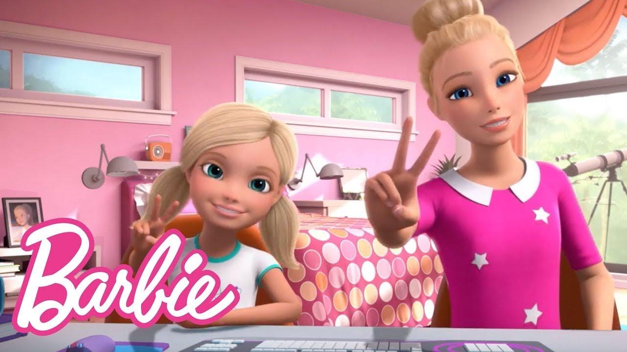 Chelsea Tomo El Control de Mi Vlog - TRAVESURAS | Vlogs de Barbie | Barbie en Castellano