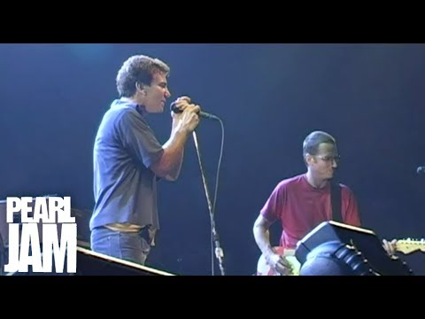 Cropduster — Live at Madison Square Garden — Pearl Jam