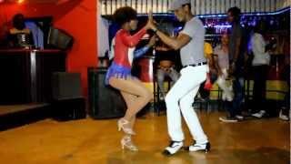 Dominican Bachata with Pipo Alcala & Andina Medina 27 julio 2012 thumbnail