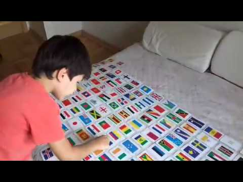 Ребенок, знающий все флаги мира (5 лет)