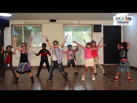 Bollywood Funny dance | Lungi Dance |...