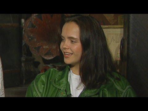 FLASHBACK: 'Casper' Turns 20! Christina Ricci Talks Awkward Teen Years in '95
