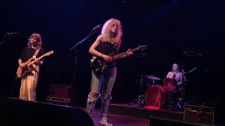 Different Now (Live) - Chastity Belt
