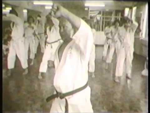 Mas Oyama (大山倍達). Old video kyokushin technics (1971)
