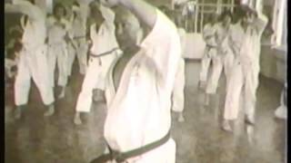 Mas Oyama (大山倍達). Old video kyokushin technics (1971) thumbnail