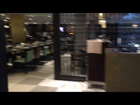 บุฟเฟ่ต์มื้อค่ำ ห้องอาหารระเบียงทอง โรงแรมนารายณ์ สีลม