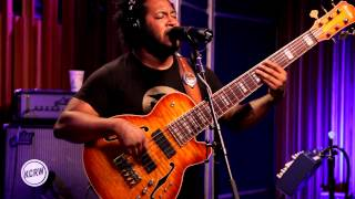 """Thundercat performing """"Them Changes"""" Live on KCRW chords 