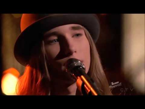 Sawyer Fredericks # 2 Comments in between songs from the 4 coaches.