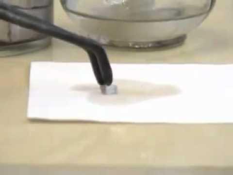Natri tác dụng với oxi