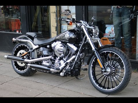2017 harley davidson softail breakout vivid black wchd. Black Bedroom Furniture Sets. Home Design Ideas