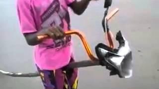 A moto de pal