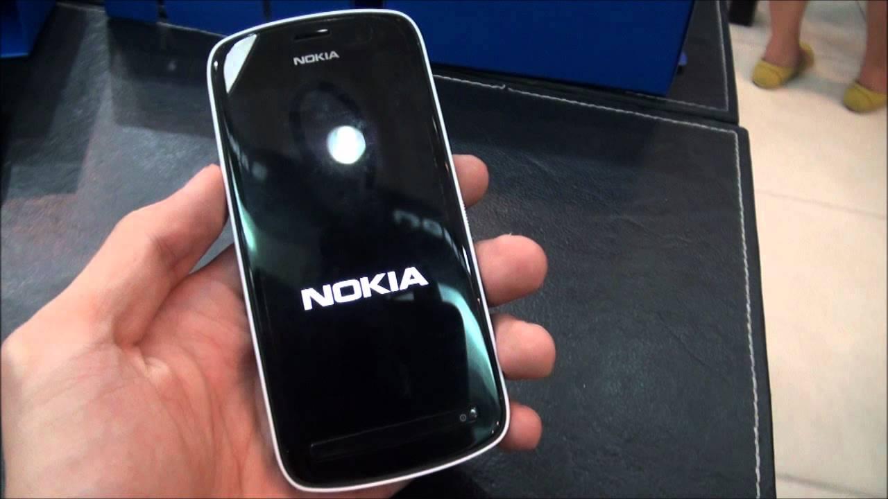 Tinhte.vn - Trên tay Nokia 808 PureView chính hãng