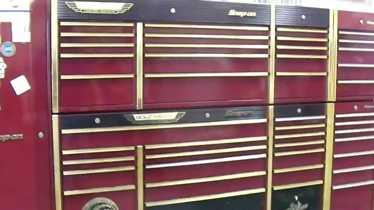Tow Truck Loading A Snap On Tool Box Youtube
