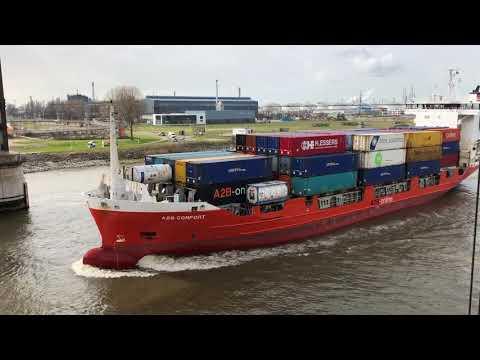 Passage container feeder 'A2B Comfort' through Botlek bridge - March 26 2019