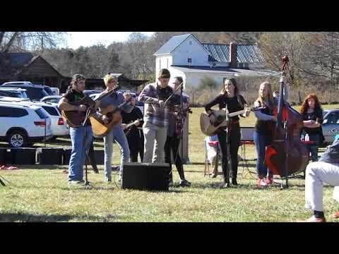 """Sullivan East High School's Bluegrass band performs """"Orange Blossom Special"""" at the Nov. 17, 2017, g"""