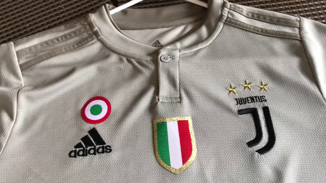 check out f6c3c 6a90b Minejerseys Review: Ronaldo Juventus third kit 18/19 season
