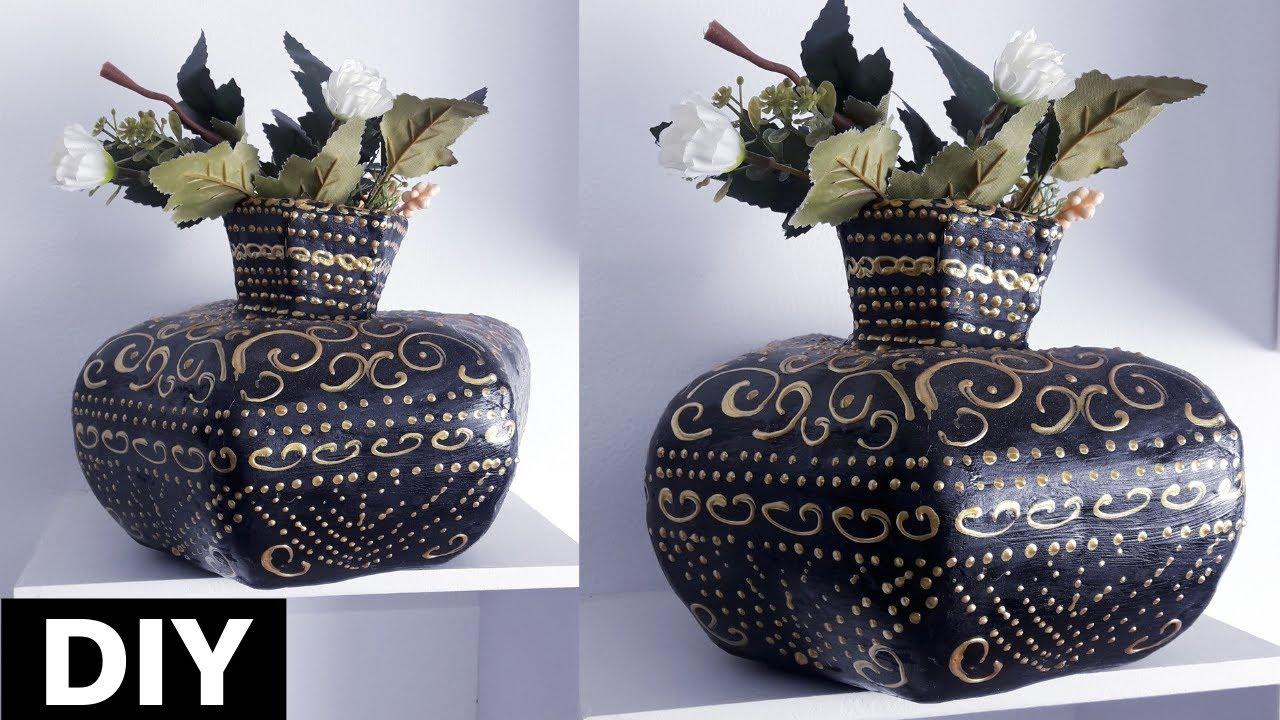 Milk Box Vase Black with golden relief Ze Gl Vase on