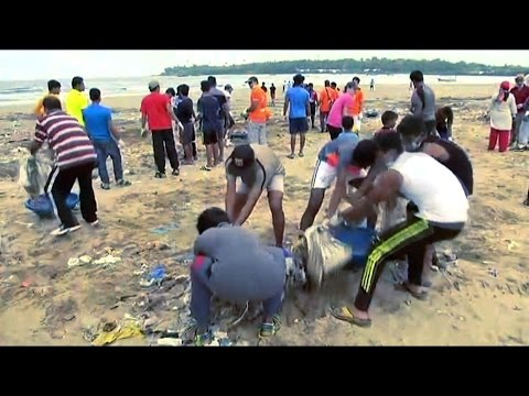 Mumbai Has The World's Dirtiest Beaches, But A Lawyer Is Hoping To Clean It