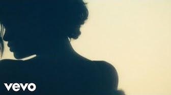 Rihanna - Diamonds