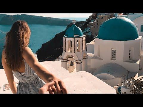 Waking up in Santorini (Greece)
