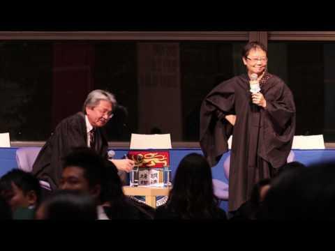 Financial Secretary John Tsang answers students' questions at Shun Hing College  high table dinner