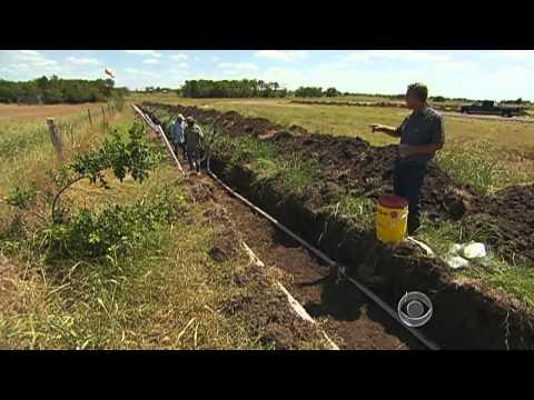 The CBS Evening News with Scott Pelley - Oil rush creates jobs boom in Texas
