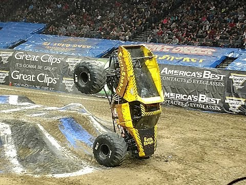 Monster Jam Triple Threat Highlights Golden 1 Arena Sacramento January 20, 2018