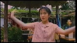 「ウンタマギルー」より。純ちゃん演じるチルーと沖縄演芸の重鎮、照屋...