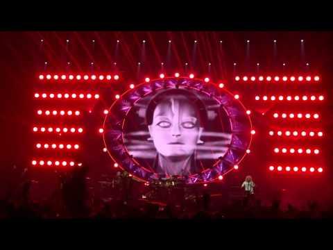 20160928 Queen + Adam Lamber live in HK: Radio Ga Ga