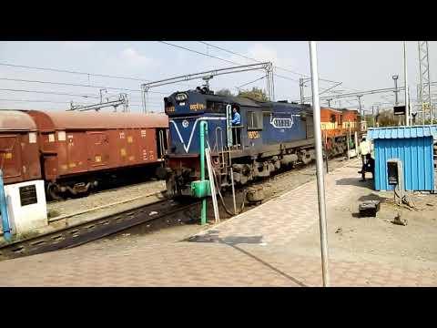Loco Change at Daund Junction I Electric to Diesel I 11301 Mumbai Bengaluru Udyan Express