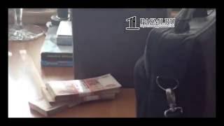 Видео задержания сенатора Александра Коровникова оперативниками ГУЭБиПК МВД РФ