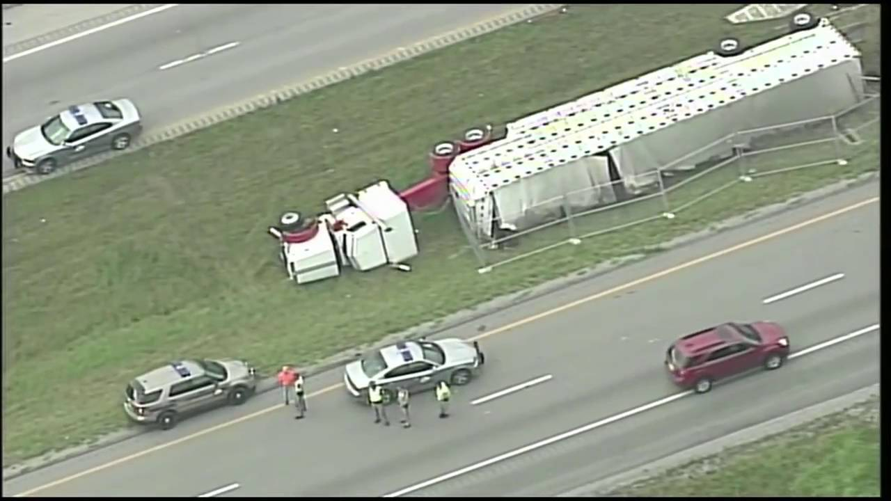 Cattle truck crash causes problems on I-71