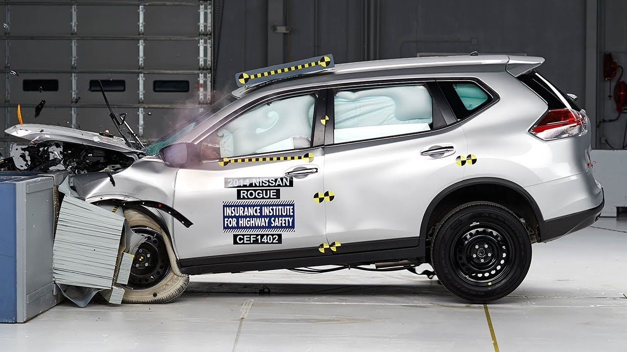 2014 Nissan Rogue Moderate Overlap Iihs Crash Test Youtube
