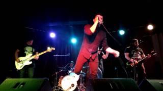 Kahit Pa performed by Hale @ 12 Monkeys Music Hall & Pub El Pueblo'...