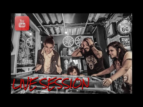 Valveds - Shiny Happy People (REM) Live Session Arizy Music