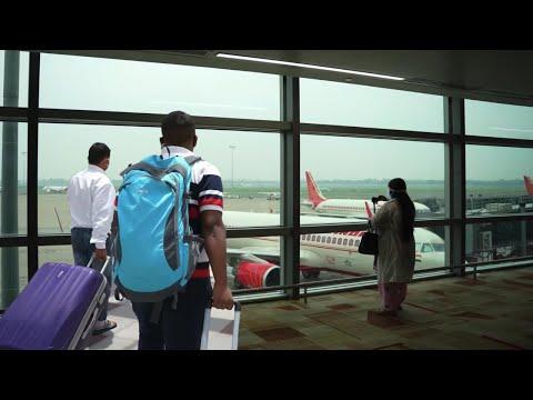 आज तो हमें लगा हमारी Flight छूट जाएगी Airport के लिए लेट हो गए 😨 Coming back to Delhi from Bangalore